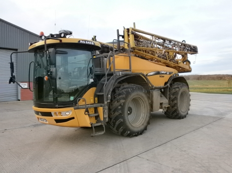 Challenger RG645B Self Propelled Sprayer